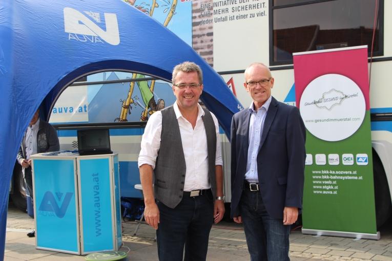 Bürgermeister von Bruck an der Mur Peter Koch, MAS besuchte ebenfalls die Roadshow. (li. Bgm. Peter Koch, MAS und Ing. Peter Bacun; Obmann der BKK Kapfenberg)